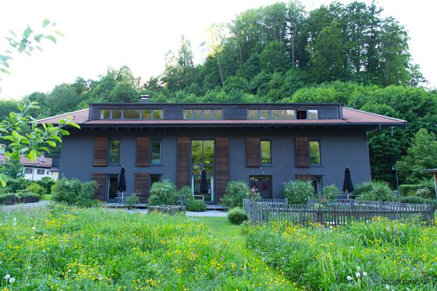 tipp g stehaus berge in aschau am chiemsee. Black Bedroom Furniture Sets. Home Design Ideas
