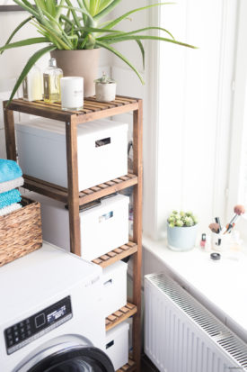 IKEA Regal Molger und Pflanzen im Badezimmer