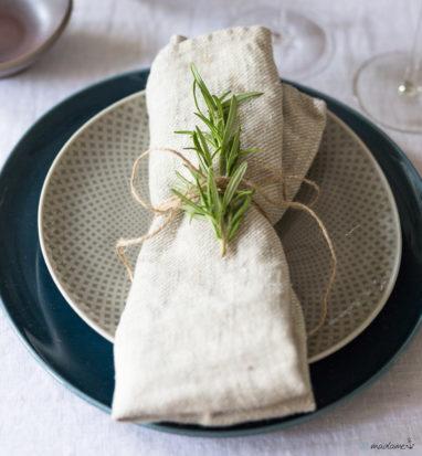 Leinenserviette falten Tisch decken