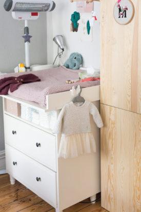 Kinderzimmer Altrosa Einrichten Farbe Wickelkommode